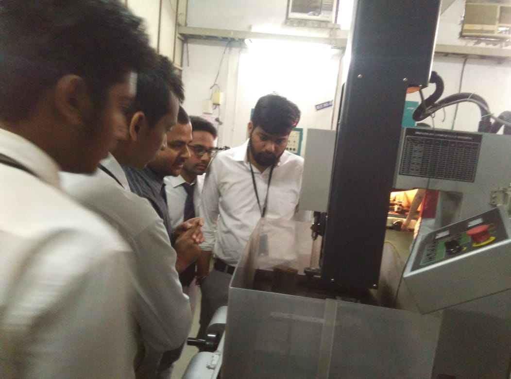 Industrial visit of Mechanical Engineering students